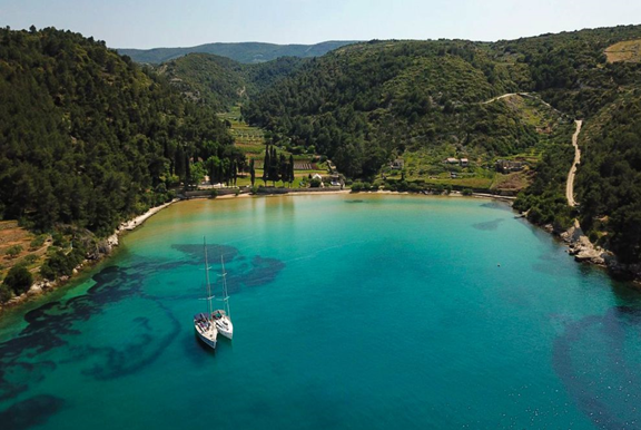 Hide yourself in the Lovrećina bay on Brač island